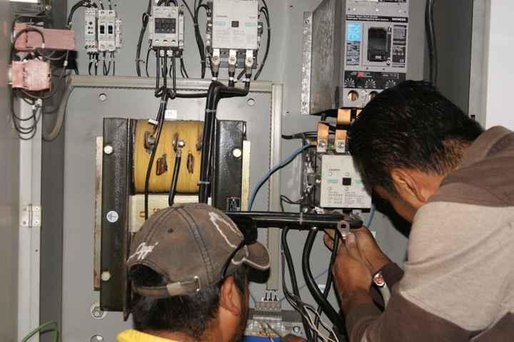 Dan mantenimiento preventivo a Sistema de Agua Potable en Nanacamilpa