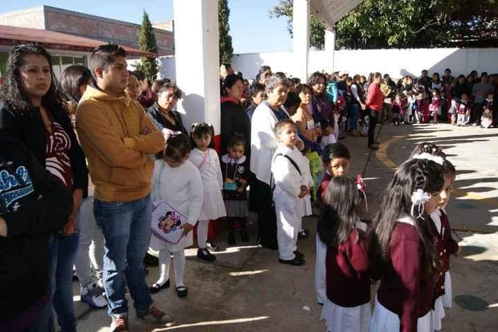 Inicia el ciclo escolar 2015-2016 en Nanacamilpa