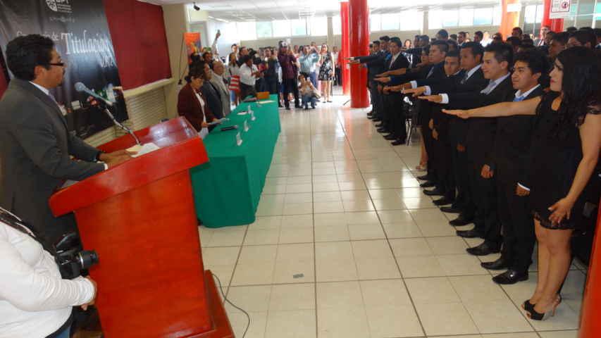 Egresan 452 jóvenes de la UPTx