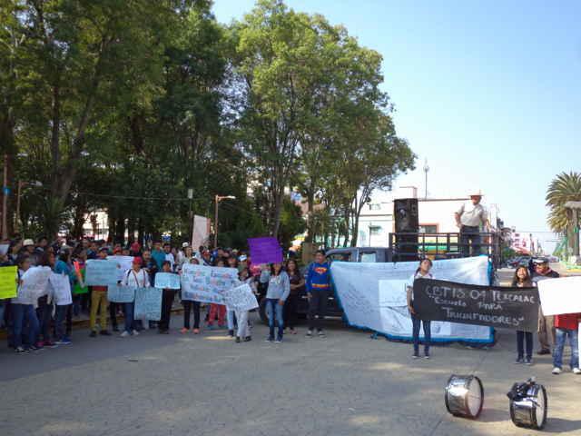 Protestan alumnos y padres de familia del Cbtis 4 Texcalac