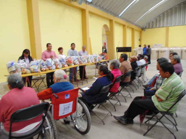 Entregó DIF Amaxac 75 despensas a personas de escasos recursos
