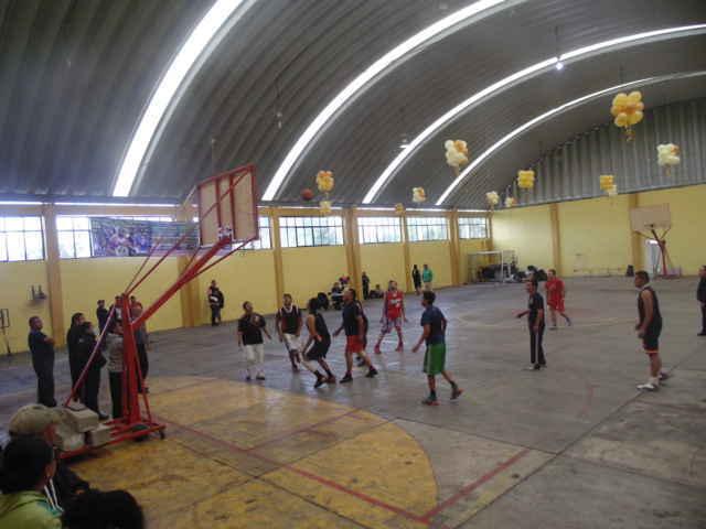CLV pone en marcha liga y escuela de básquetbol en Amaxac