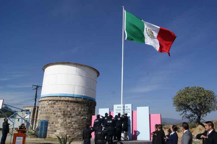 Conmemoran Aniversario de la Institucionalización del día de la Bandera en Nanacamilpa