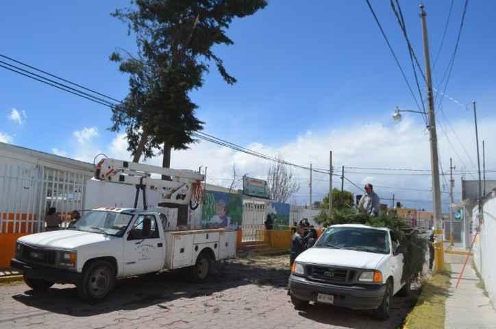Reportan saldo blanco en Calpulalpan por fuertes vientos