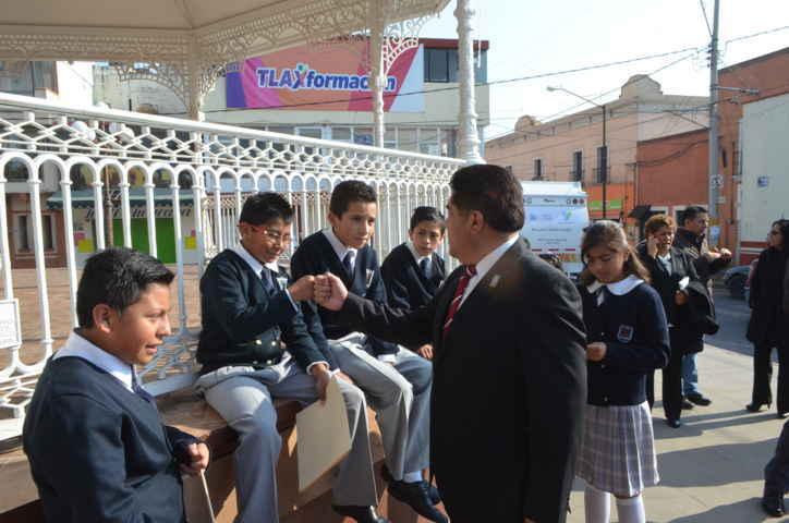 Encabeza VHR en Calpulalpan Homenaje mensual al Lábaro Patrio