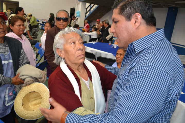 Encabeza Miguel Ángel Polvo festejo por el Día del Abuelo en Tlaltelulco