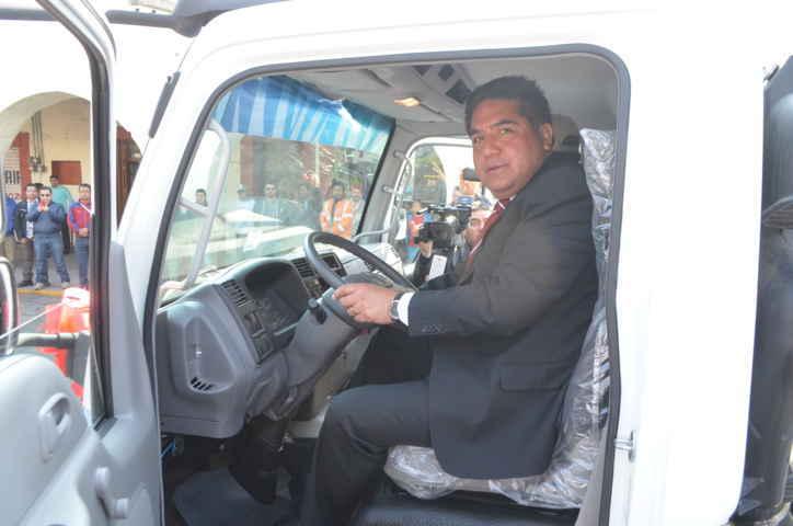 Pone en marcha nuevo Camión recolector de desechos sólidos