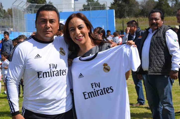 Gestión de Adriana Dávila en beneficio de miles deportistas en Tlacuilohcan