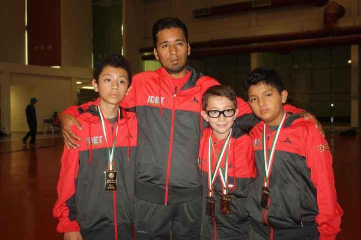 Viajan tlaxcaltecas a Internacional de Squash en Guanajuato