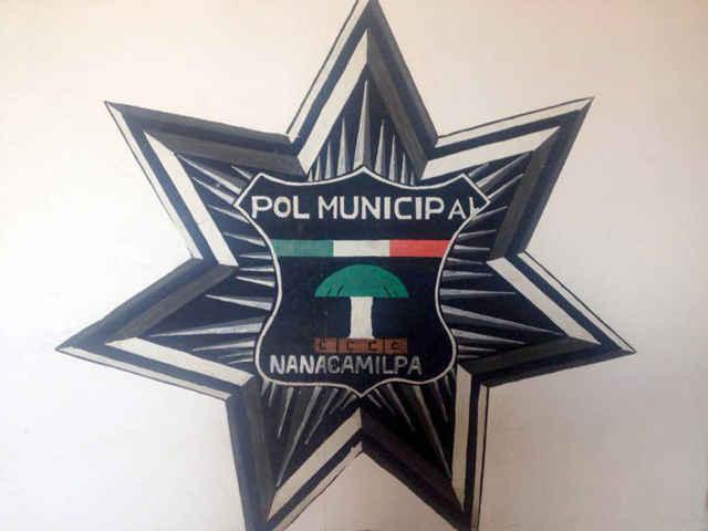 Policía de Nanacamilpa acude a llamado de emergencia