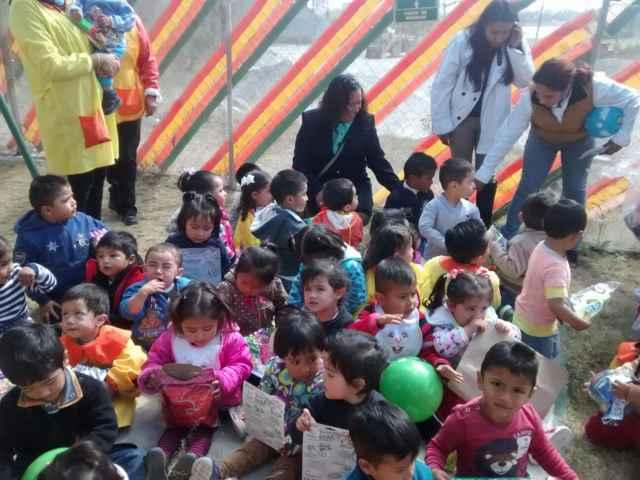SMDIF de Tetlatlahuca repartió sonrisas en escuelas de la comuna