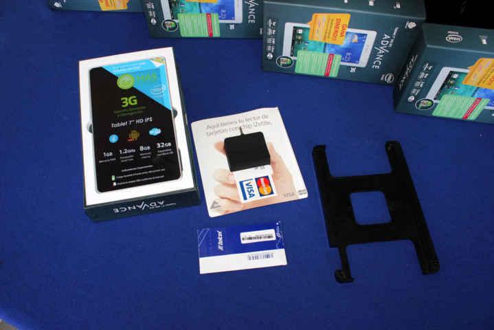 Benefician a Microempresarios Calpulalpenses  con tabletas electrónicas