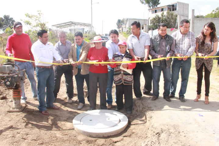 Celis Galicia inaugura drenaje en Guadalupe Victoria