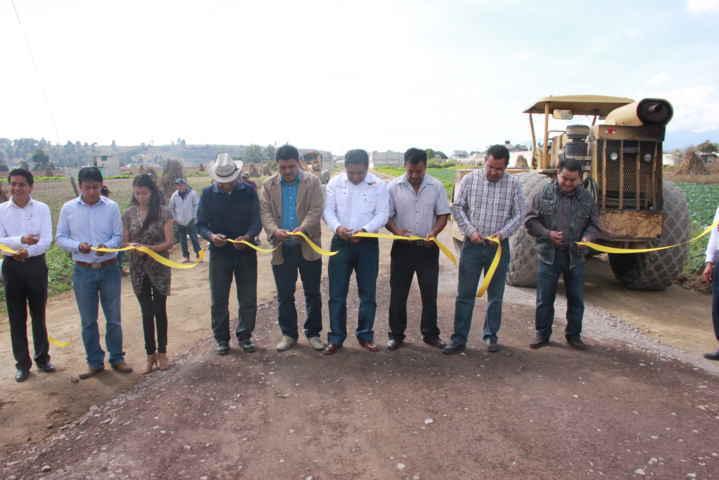 Celis Galicia entrega obra pública en Guadalupe Victoria