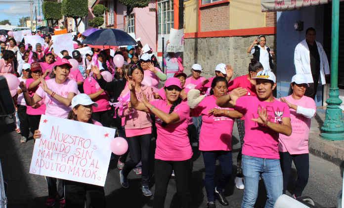 Conmemoran en Huamantla día internacional contra el cáncer de mama