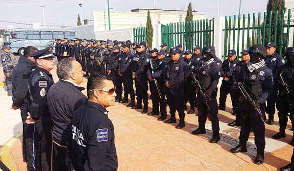 """Da JAAL banderazo a inicio de """"Domingos de Gendarmería"""""""