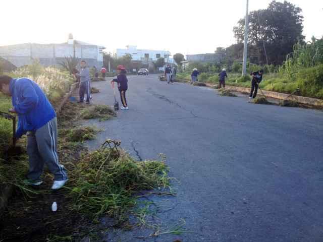 Continúan realizando en Tetlanohcan faenas comunitarias