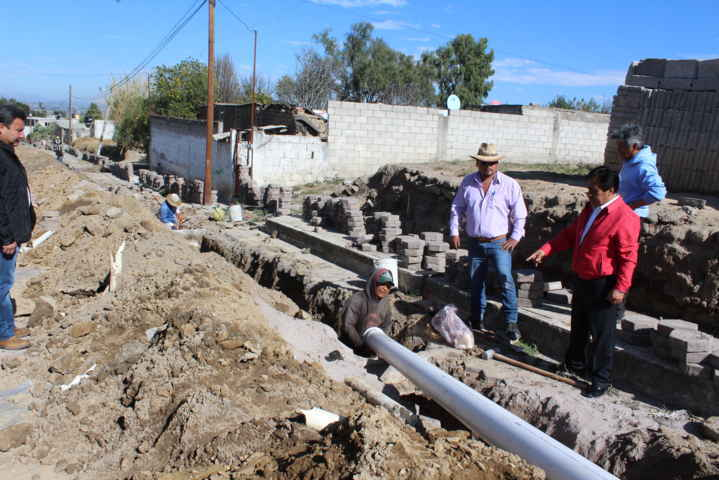 Inicia alcalde trabajos de rehabilitación de red de agua potable