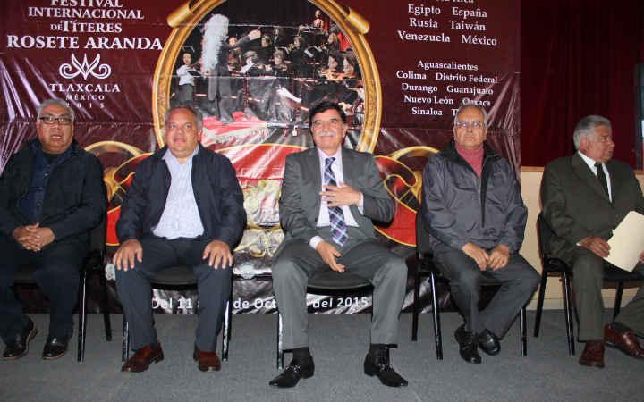 """Clausuran Alcalde y Gobernador XXX  Festival Internacional de Títeres """"Rosete Aranda"""""""