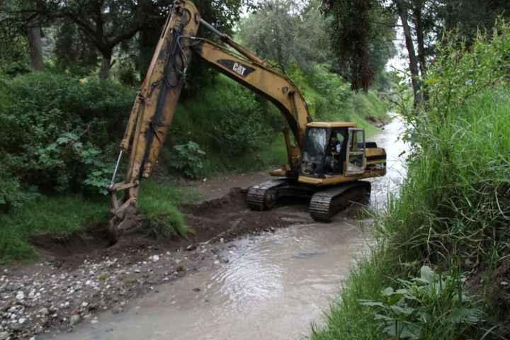 Desazolvan Río en Quiahuixtlán previniendo situaciones de emergencia