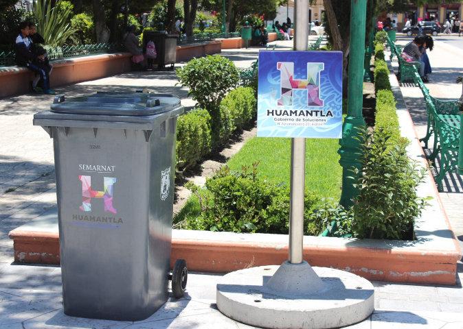 Instala Ayuntamiento de Huamantla nuevos Contenedores de basura