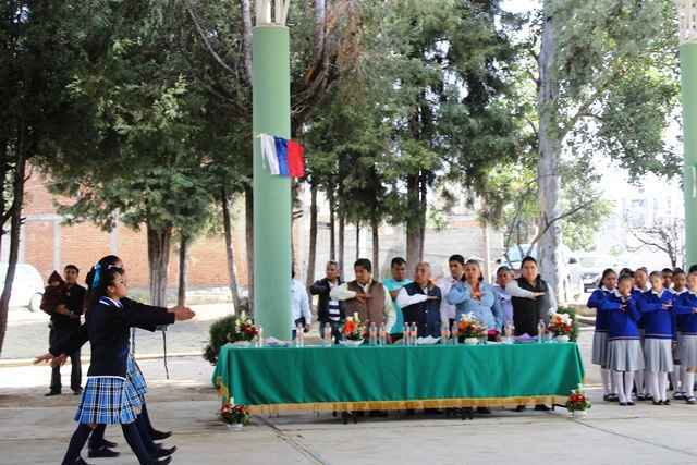 Inauguran autoridades la techumbre de la Telesecundaria Francisco Márquez en Mazatecochco