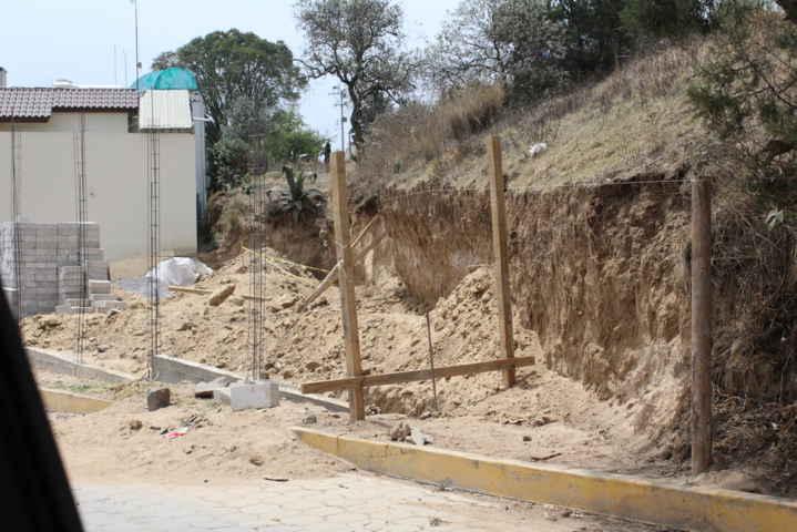 Alcalde interino desmiente hechos del fallecimiento del albañil en Tocatlán