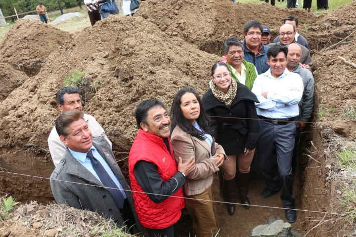 Colocan en Contla primera piedra del Sesa de Tlacatecpa