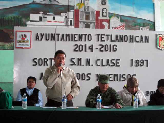Participan jóvenes  en Sorteo del Servicio Militar