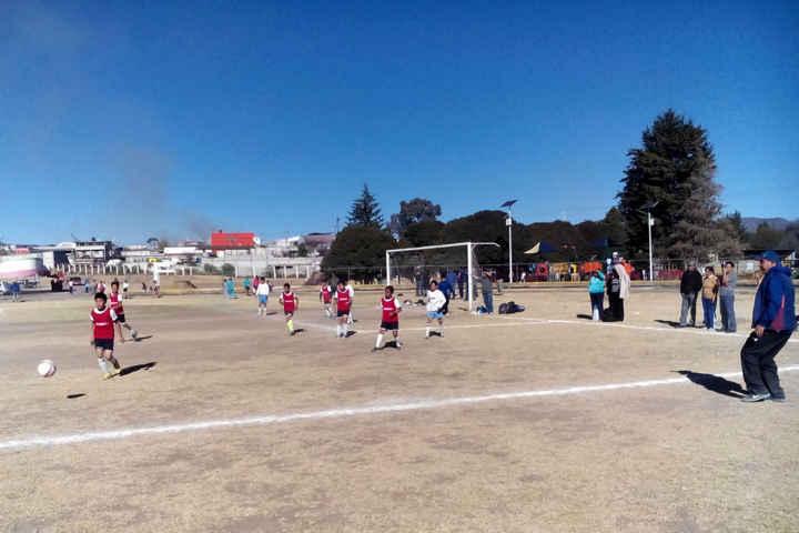 Realizan en Calpulalpan Convivencia Deportiva Escolar