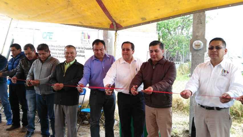 Alcalde de Tetla inaugura obra de electrificación