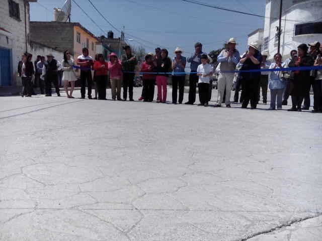 Entrega VHR rehabilitación de 9 Calles en Calpulalpan