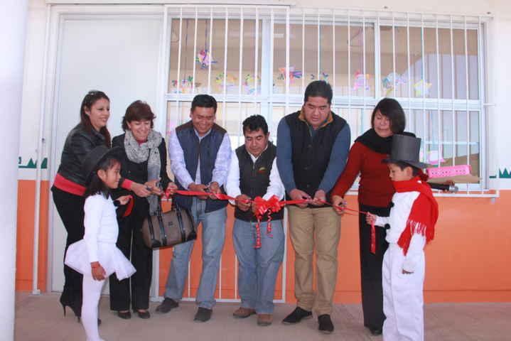 Transforma alcalde con un aula educativa jardín de niños