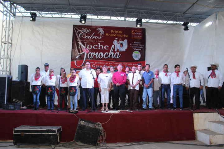 """Espectacular noche jarocha se vivió en """"Los Cedros"""" en su 1er aniversario"""