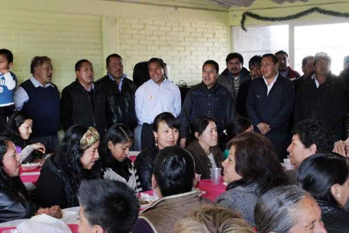 Reconoce alcalde de Tetlanohcan labor de mujeres