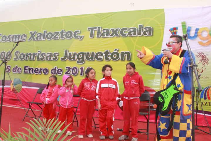 El juguetón en Xaloztoc repartió más de 5 mil sonrisas