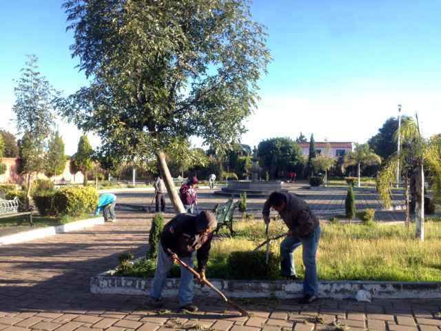 Mantiene ayuntamiento de Tetlanohcan faenas comunitarias