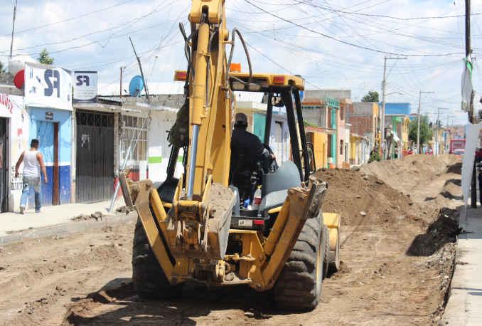 Ayuntamiento de Huamantla realiza trabajos de rehabilitación de importante avenida
