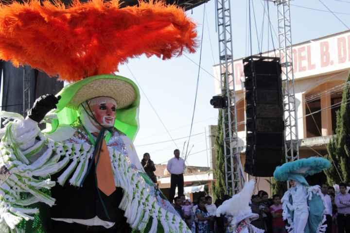 Transparenta Tetlanohcan apoyo a camadas de carnaval