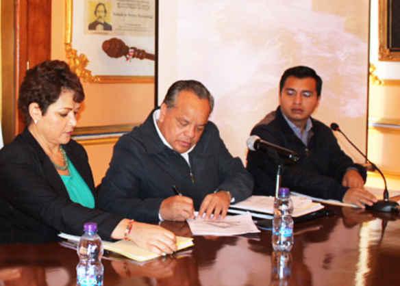Signan convenio Ayuntamiento de Huamantla y Cruz Roja
