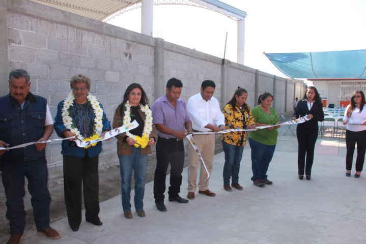 Entrega alcalde infraestructura básica educativa en jardín de niños