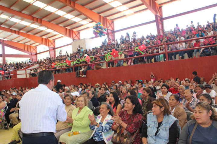 Reconoce Ayuntamiento de Nativitas a las madres