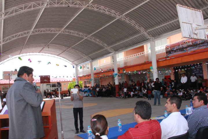 Primaria Emiliano Zapata de Tepetitla, fue beneficiada con una techumbre