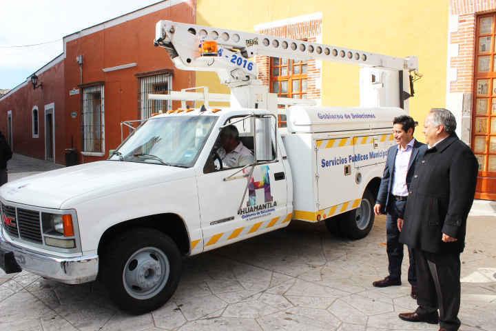 Ayto. de Huamantla refuerza acciones en alumbrado público