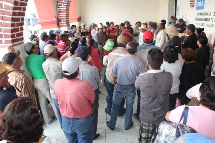 Se inconforman en Huejotzingo y Nativitas por cierre de autopista