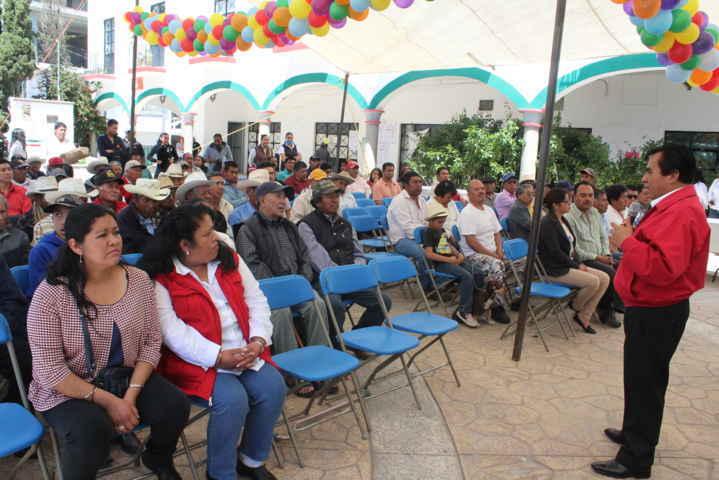 Alcalde y el SMDIF festejaron a lo grande el Día del Papa