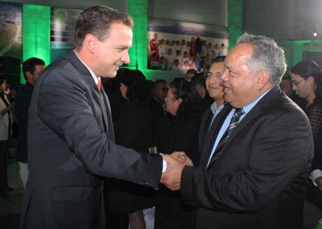 JAAL Invitado de honor a informe de alcalde de Perote