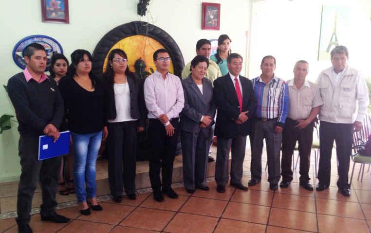 Toman protesta integrantes del comité municipal del sindicato de Trabajadores de la construcción de Huamantla