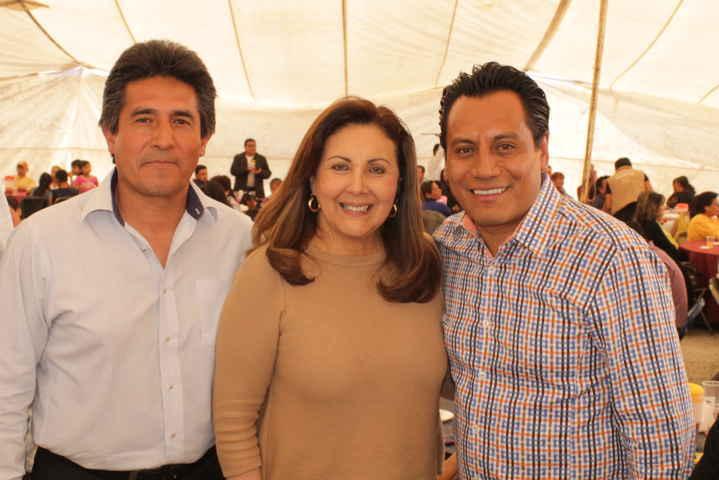 Familiares y amigos festejan cumpleaños #40 de Juan Carlos SAGA