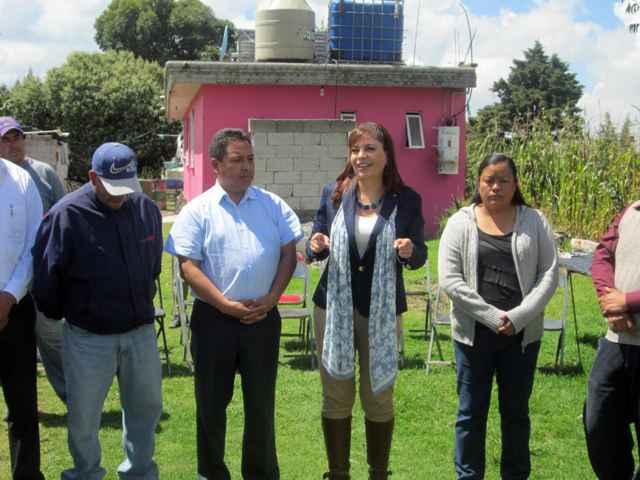 Exdiputada federal y autoridades de Tetlanohcan impulsan obra pública